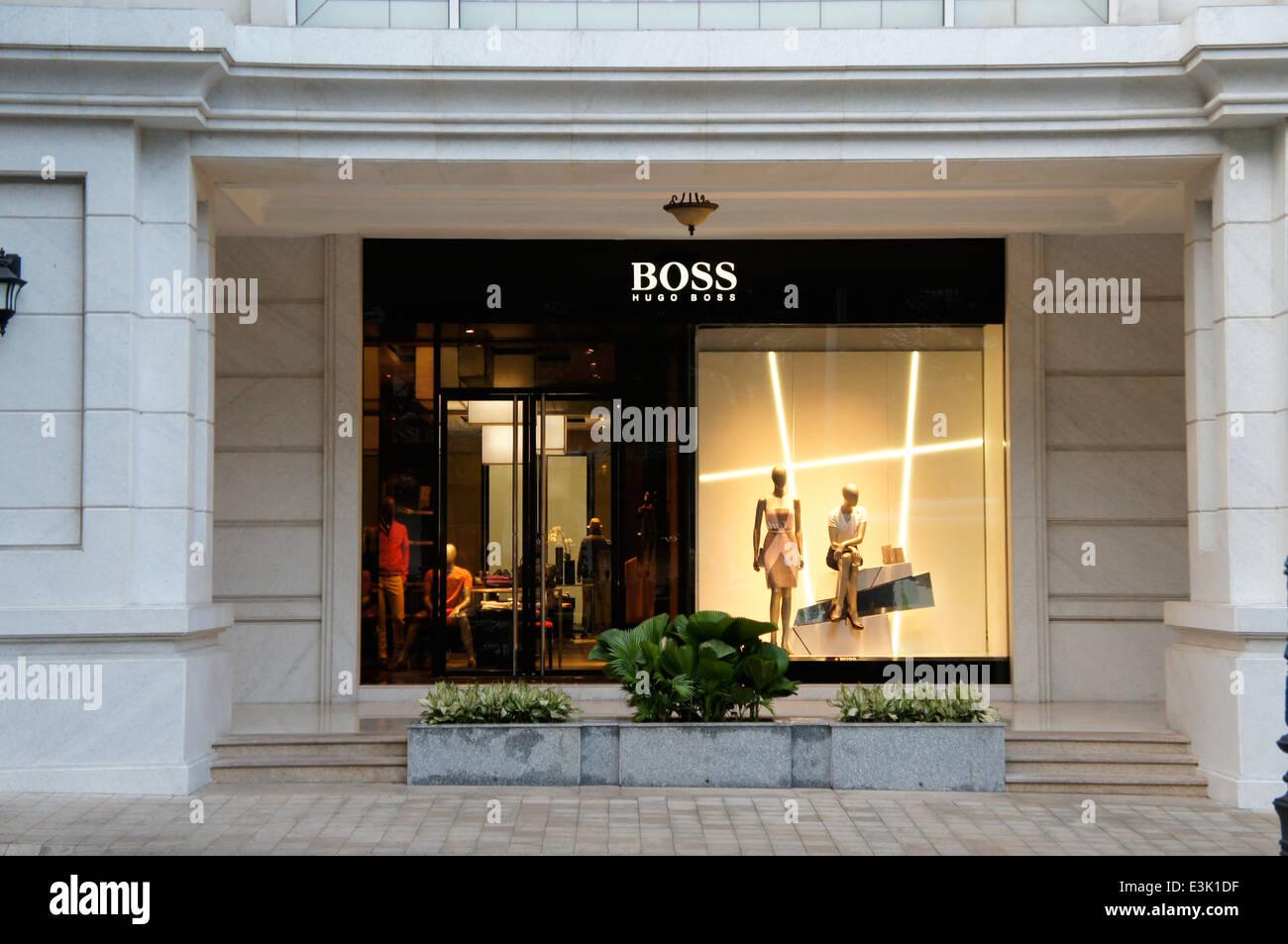 Célèbre Marque Allemande Boutiques Nom Affichage Fenêtre à Ho Chi