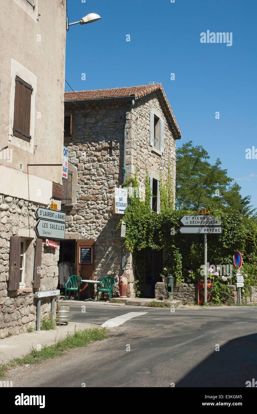 2fc3b51a26 Voir au bar  Le Pont