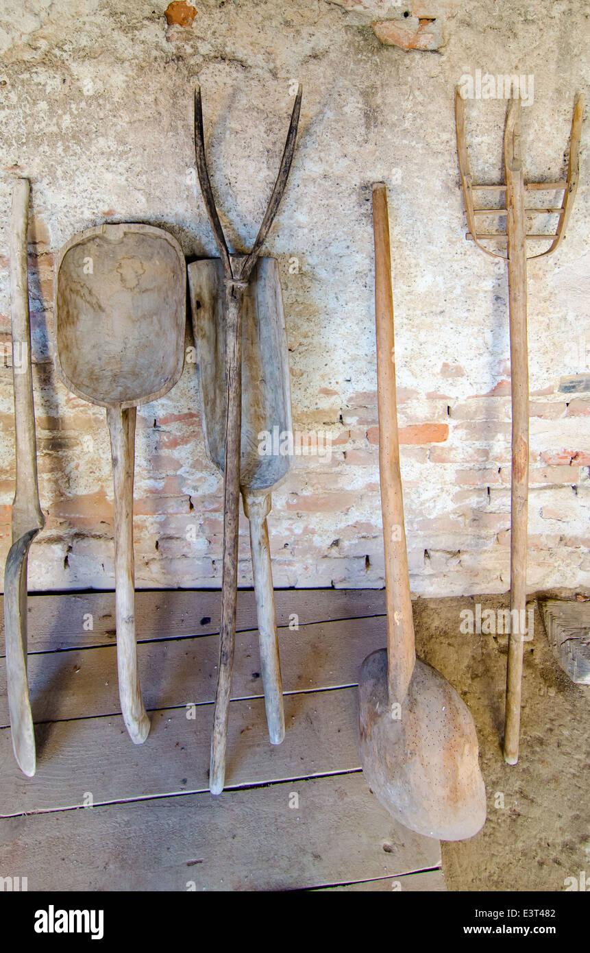 Housetools bois antiquités paysans pour utilisation dans la ferme. Photo Stock