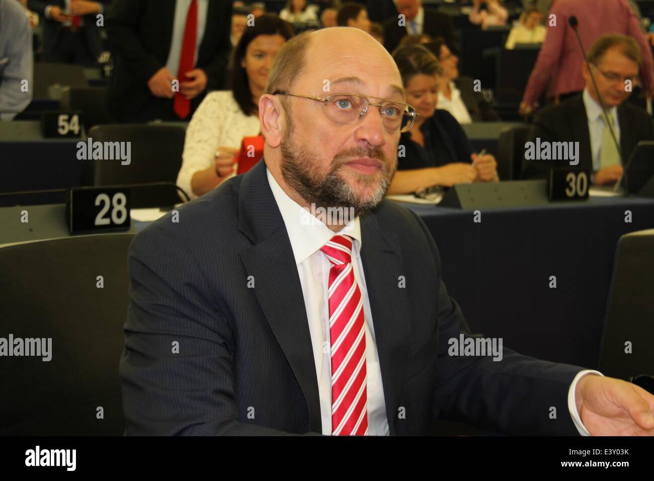Strasbourg, France. 1er juillet 2014. Martin Schulz attend que les votes pour le président du Parlement européen Photo Stock