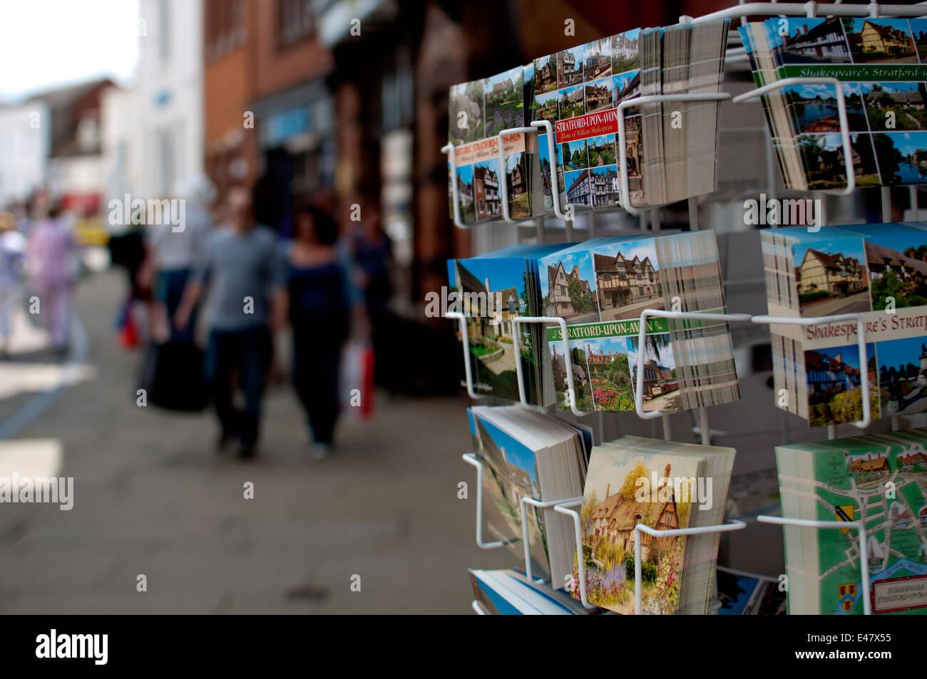 Post card rack, Stratford-upon-Avon, Royaume-Uni Photo Stock