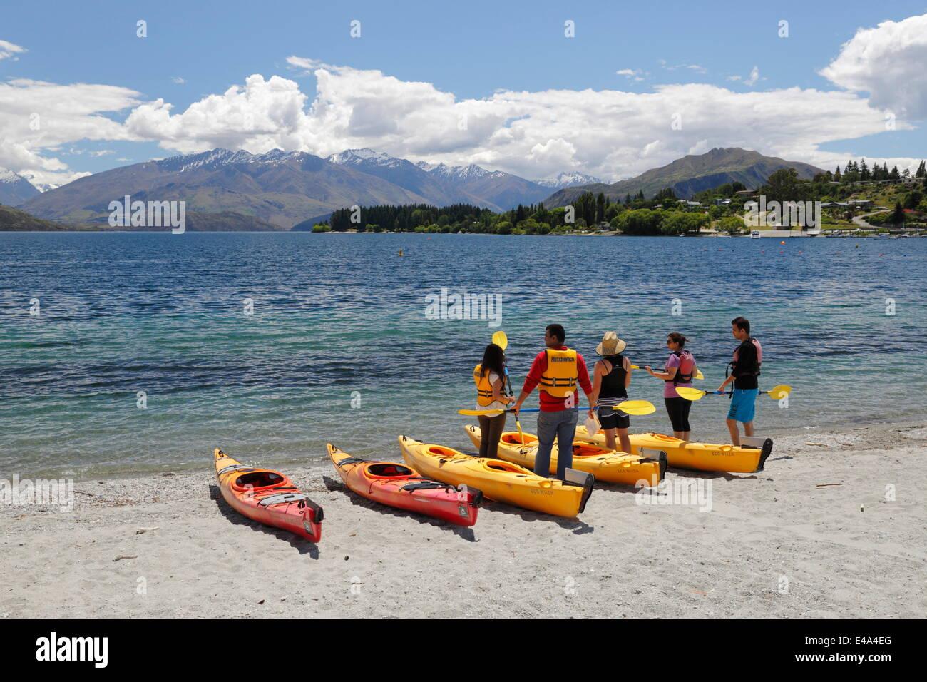 Kayak sur le lac Wanaka, Wanaka, Otago, île du Sud, Nouvelle-Zélande, Pacifique Banque D'Images