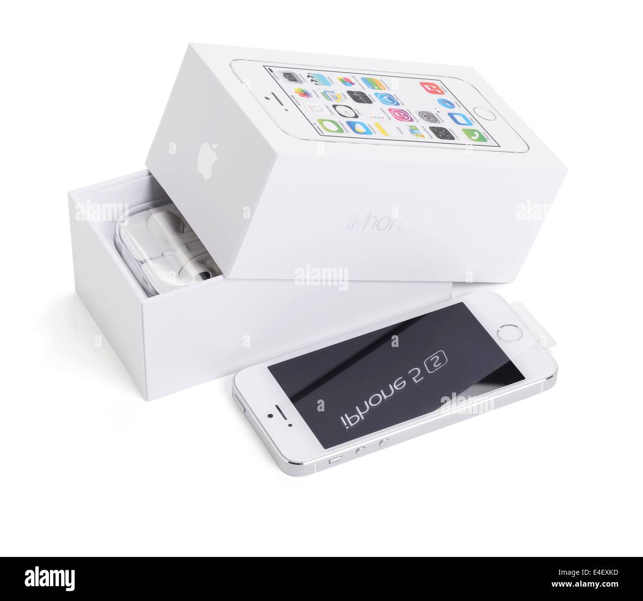 Un Apple iPhone 5s avec l'emballage d'origine Photo Stock