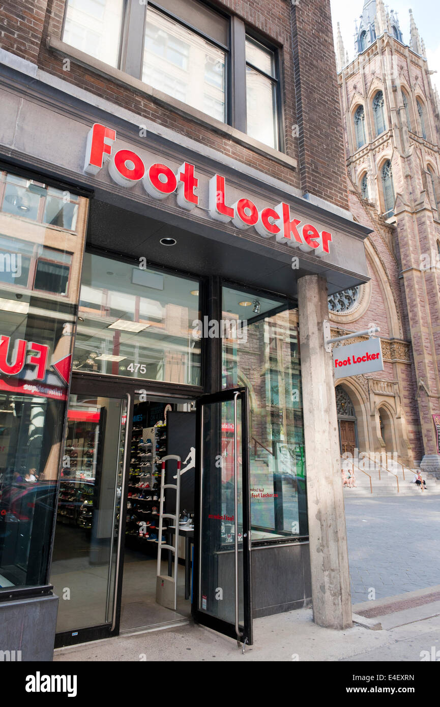 df79141ea52 Foot Locker magasin sur la rue Sainte-Catherine