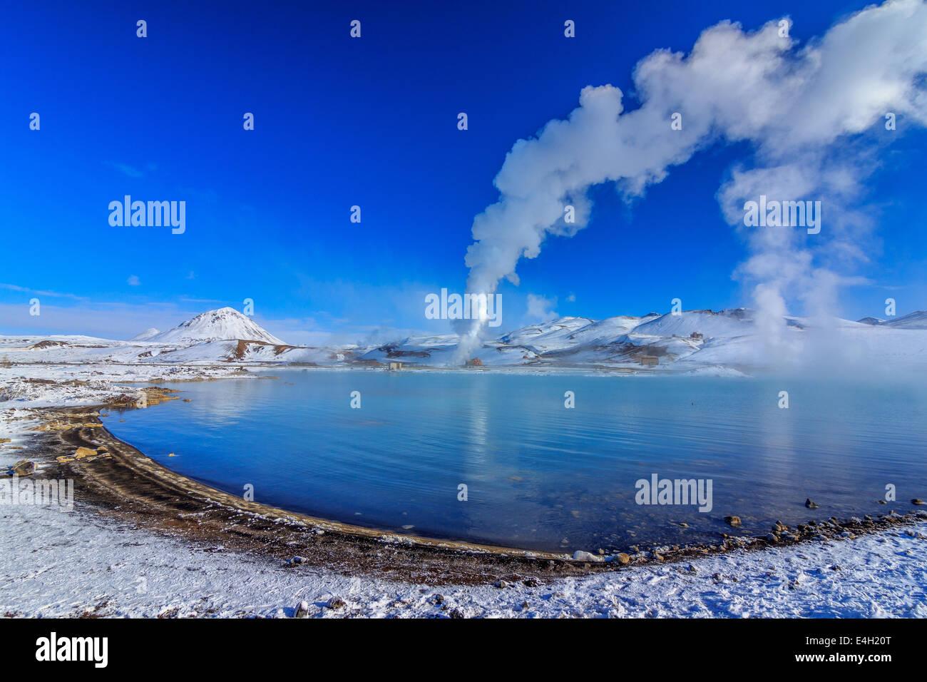 Centrale thermique à Namaskard Bjarnarflag lake Photo Stock