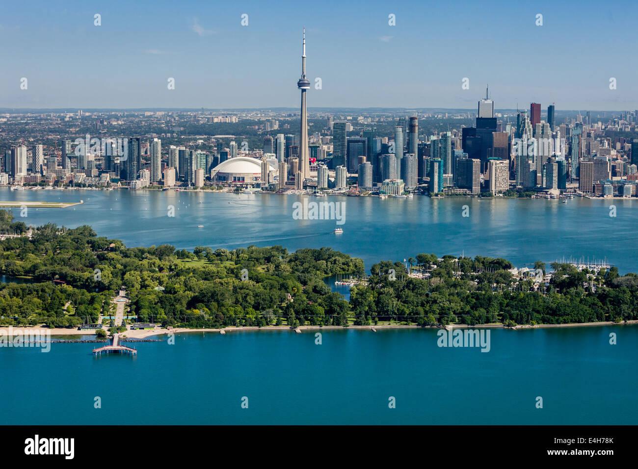 Vue aérienne de la ville de Toronto avec les îles. Photo Stock