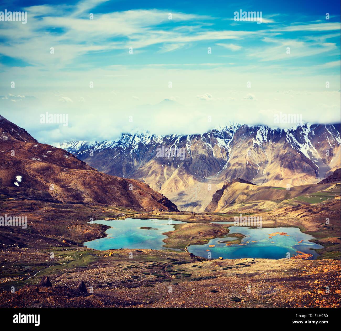 Effet Retro Vintage style hipster image filtrée voyage de lacs de montagne dans la vallée de Spiti dans Photo Stock