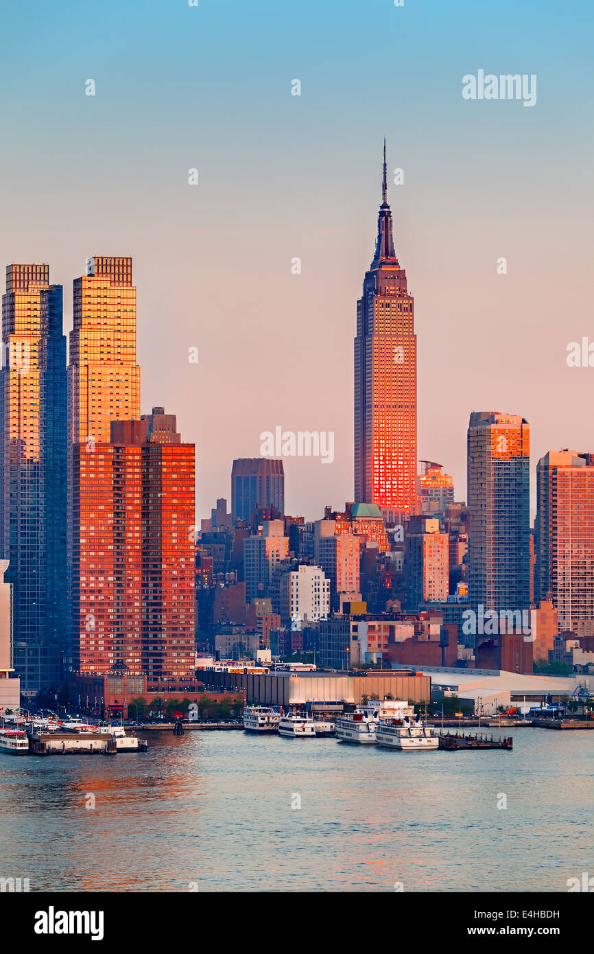 Manhattan au coucher du soleil Photo Stock