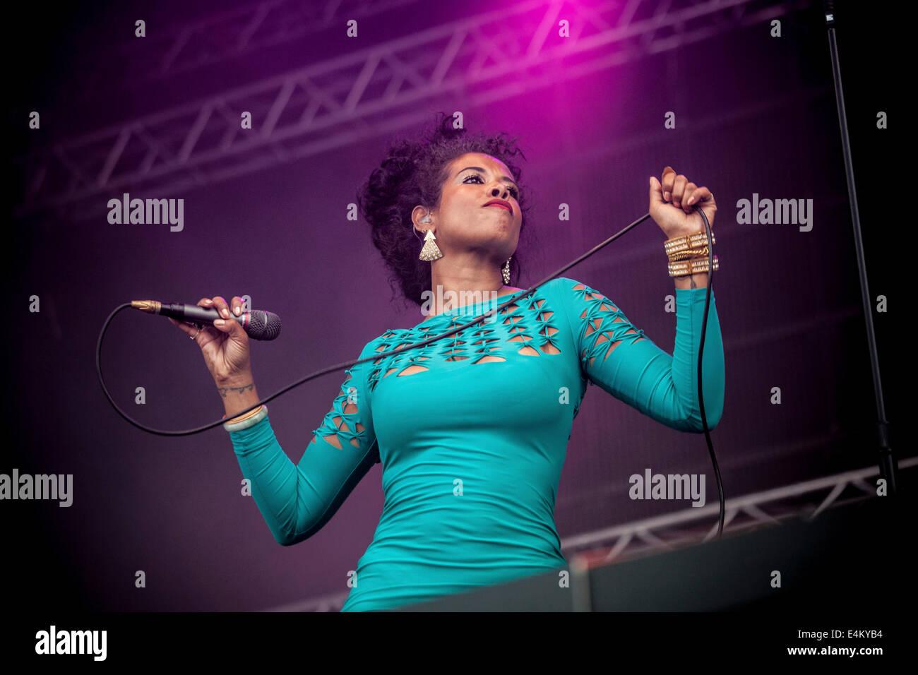 La chanteuse américaine Kelis joue lors du festival de musique slovaque Pohoda à Trencin, Slovaquie l'aéroport, Photo Stock