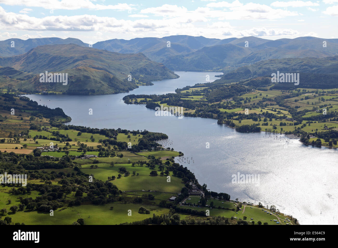 Vue aérienne du lac Ullswater dans le Lake District, UK Photo Stock