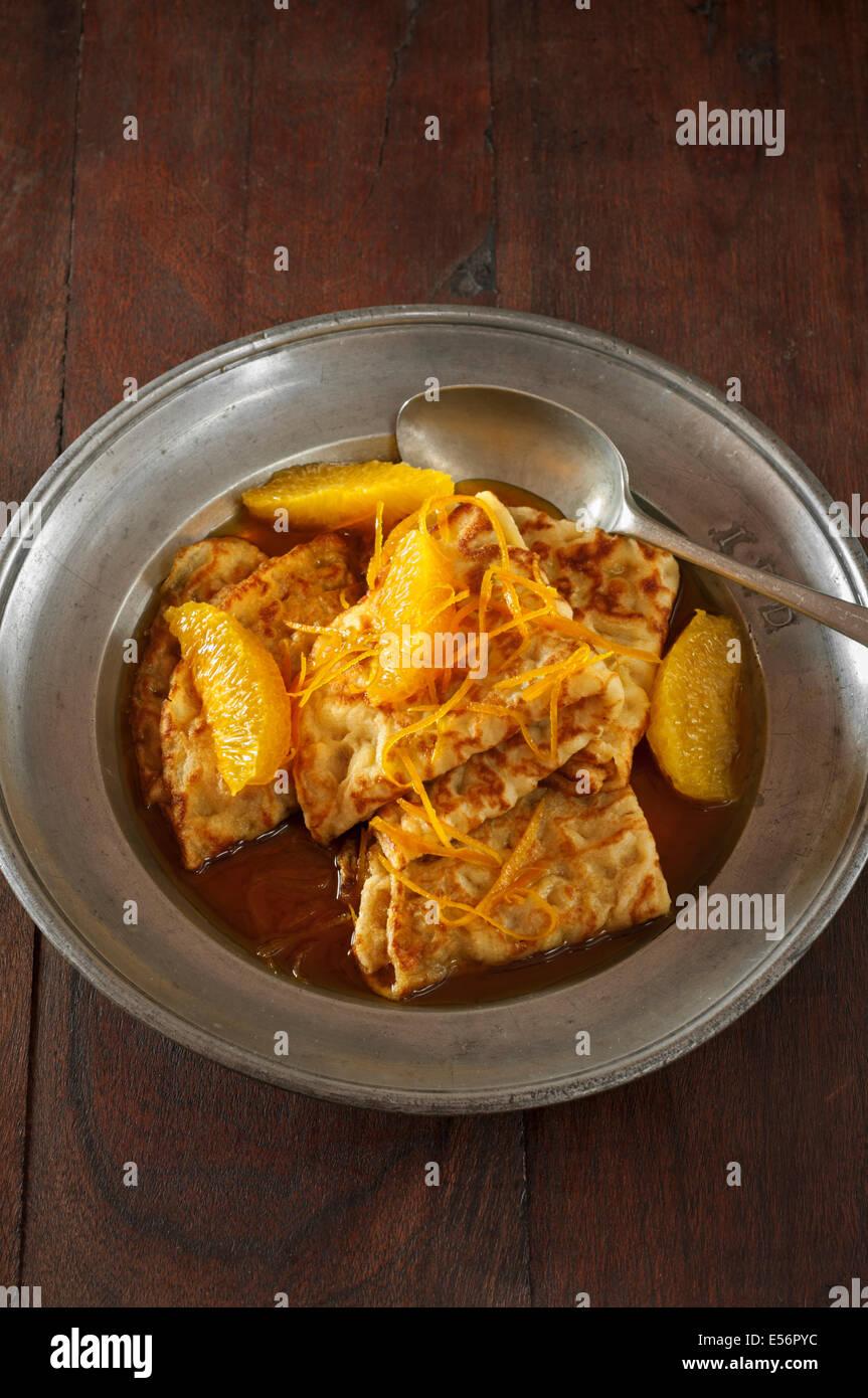 Crêpes Suzette. Des crêpes à l'orange et la liqueur d'orange Photo Stock