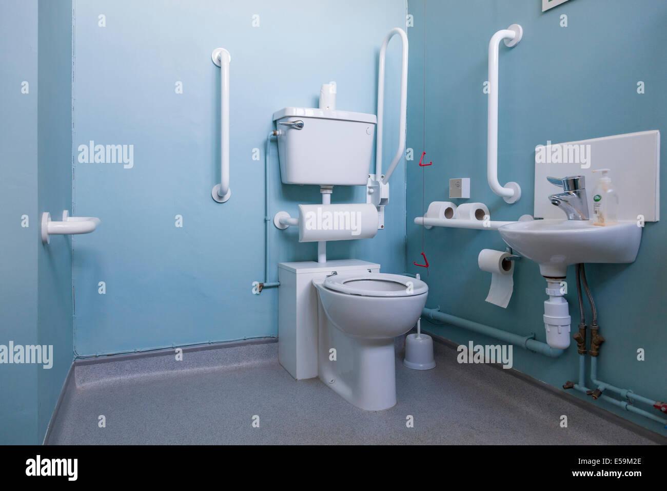 Lavabo Personne Mobilité Réduite lavabo et toilettes accessibles aux personnes handicapées