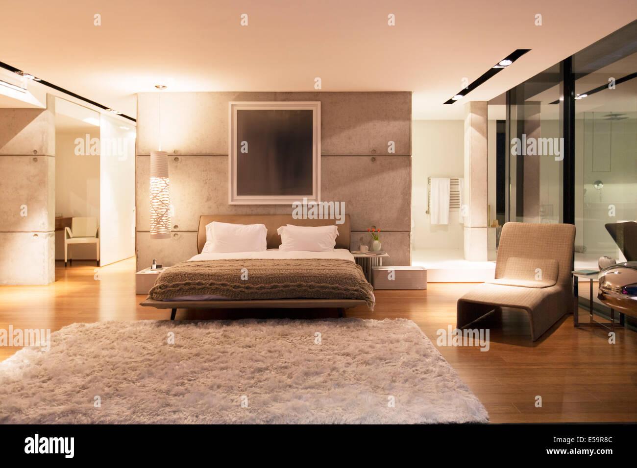 Shag tapis chambre à coucher moderne Photo Stock