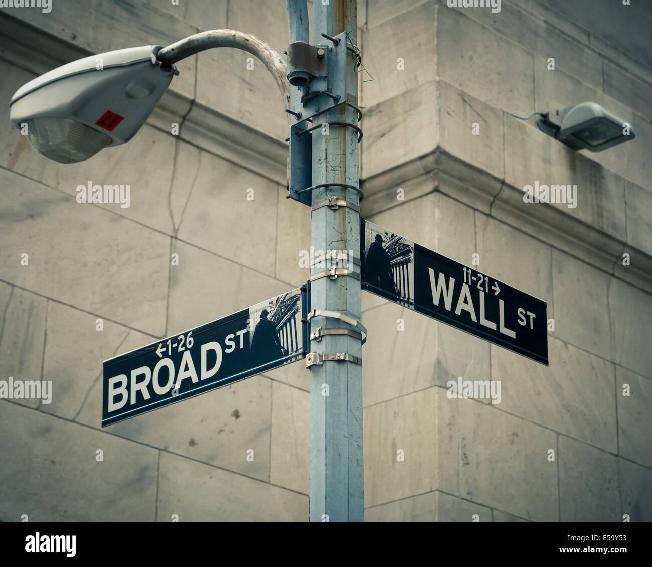 Les plaques de rue de Wall street et Broad Street Photo Stock