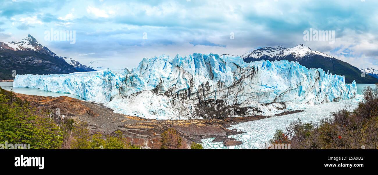 Le glacier Perito Moreno dans le Parc National Los Glaciares dans la province de Santa Cruz, en Argentine. Photo Stock