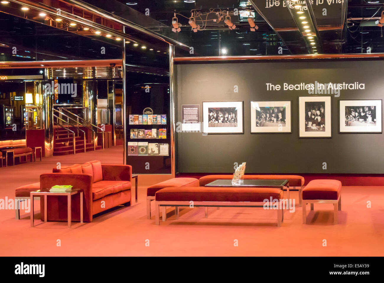 Southbank Melbourne Australie Victoria St Kilda Road Art Center center State Theatre Theatre hall Beatles en Australie Photo Stock