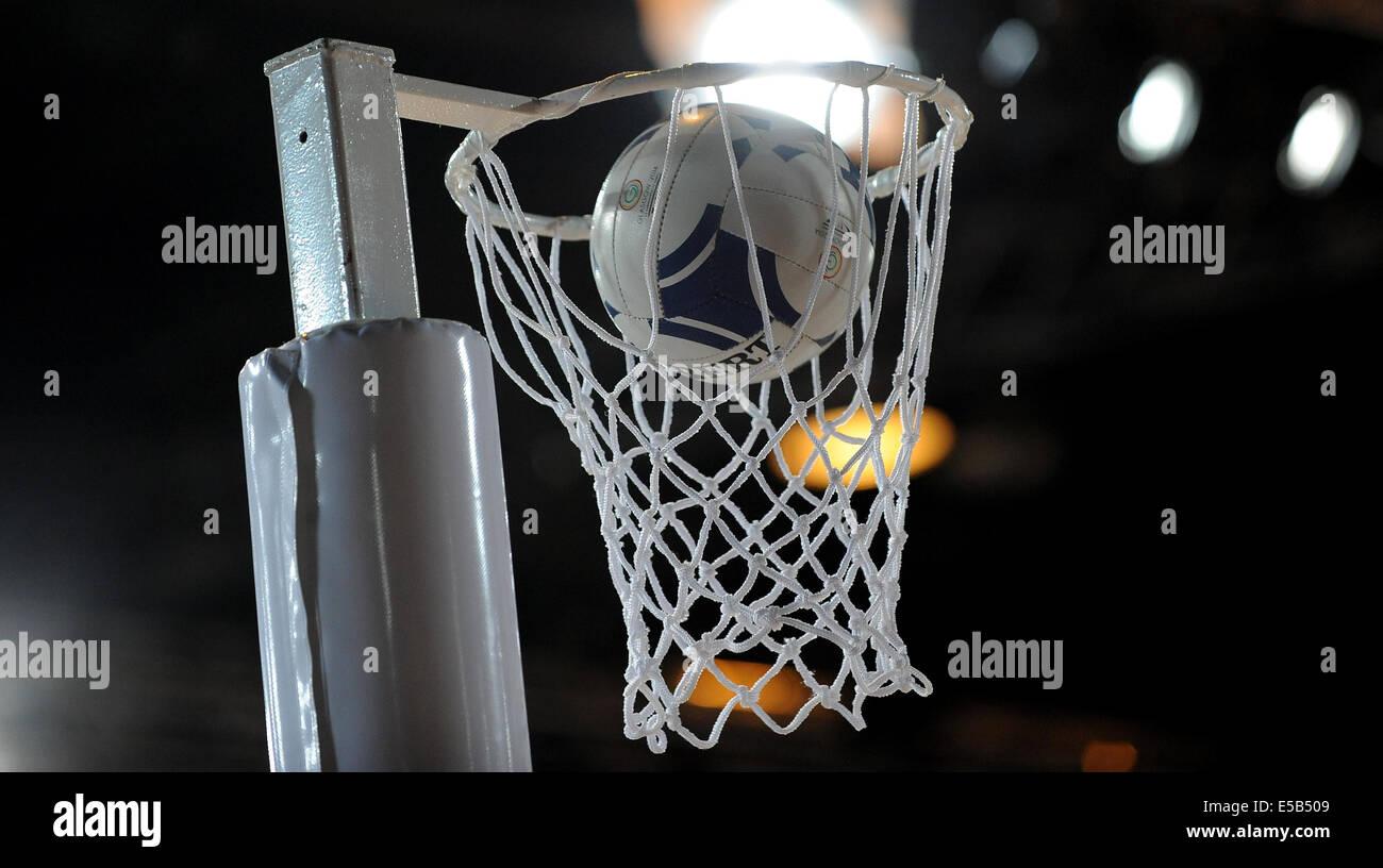 Le netball HOOP & BALLON OFFICIEL AUSTRALIE V ANGLETERRE NETBALL SECC GLASGOW ECOSSE 26 Juillet 2014 Photo Stock