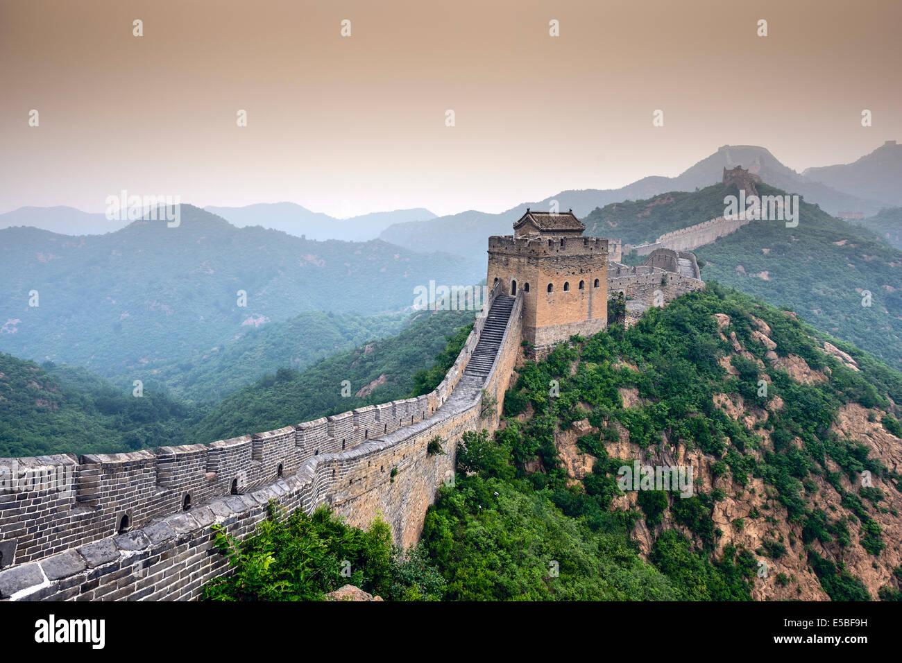 Grande Muraille de Chine. Les sections non réhabilitées à Jinshanling. Photo Stock