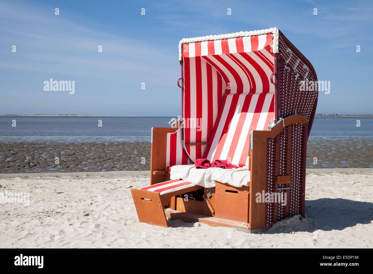 Allemagne Basse Saxe Dornum Nessmersiel Rouge Et Blanc Chaise De