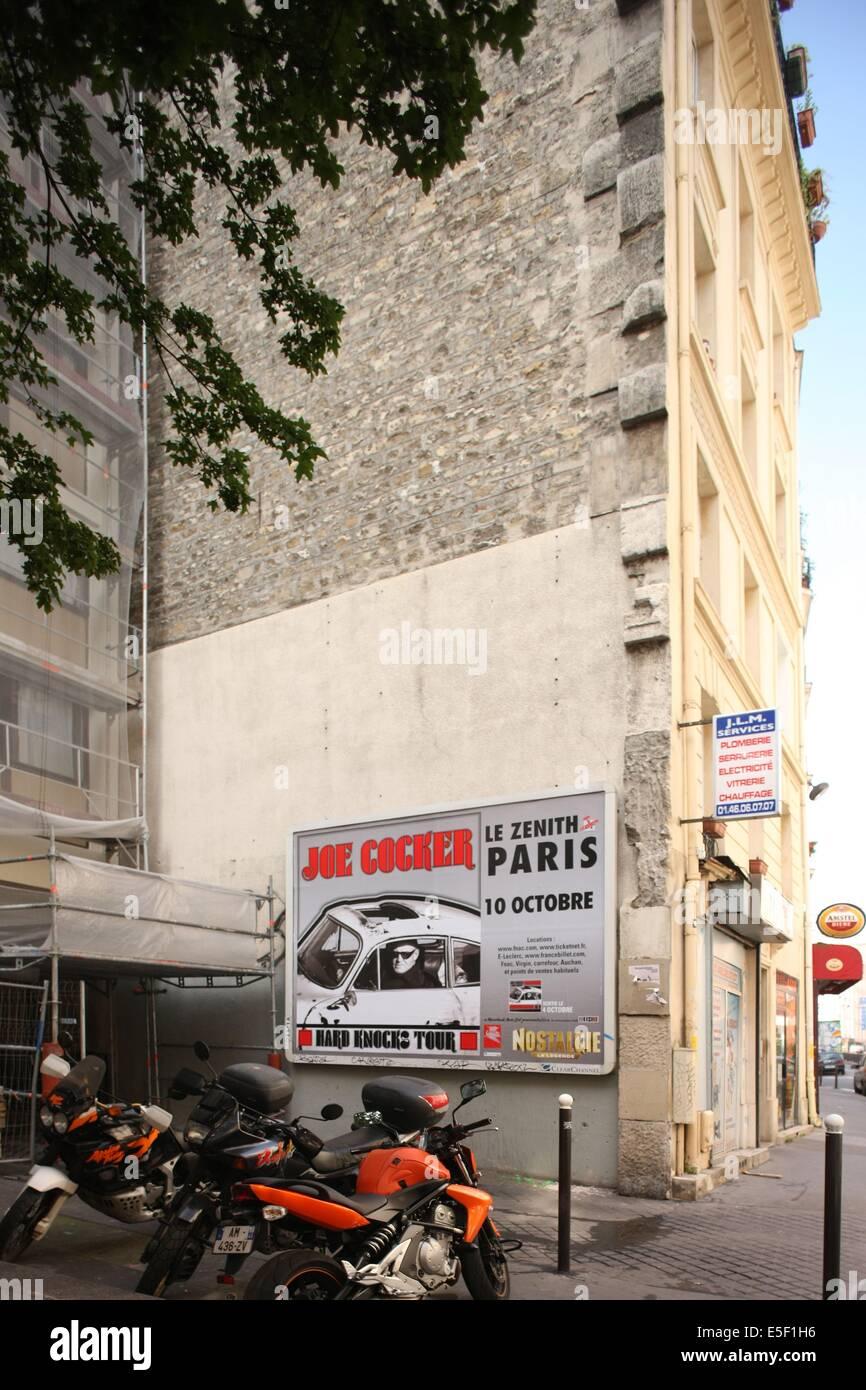 France, ile de france, paris 18e arrondissement de Paris, 129-131 rue Marcadet, immeuble recule, recoins, Photo Stock