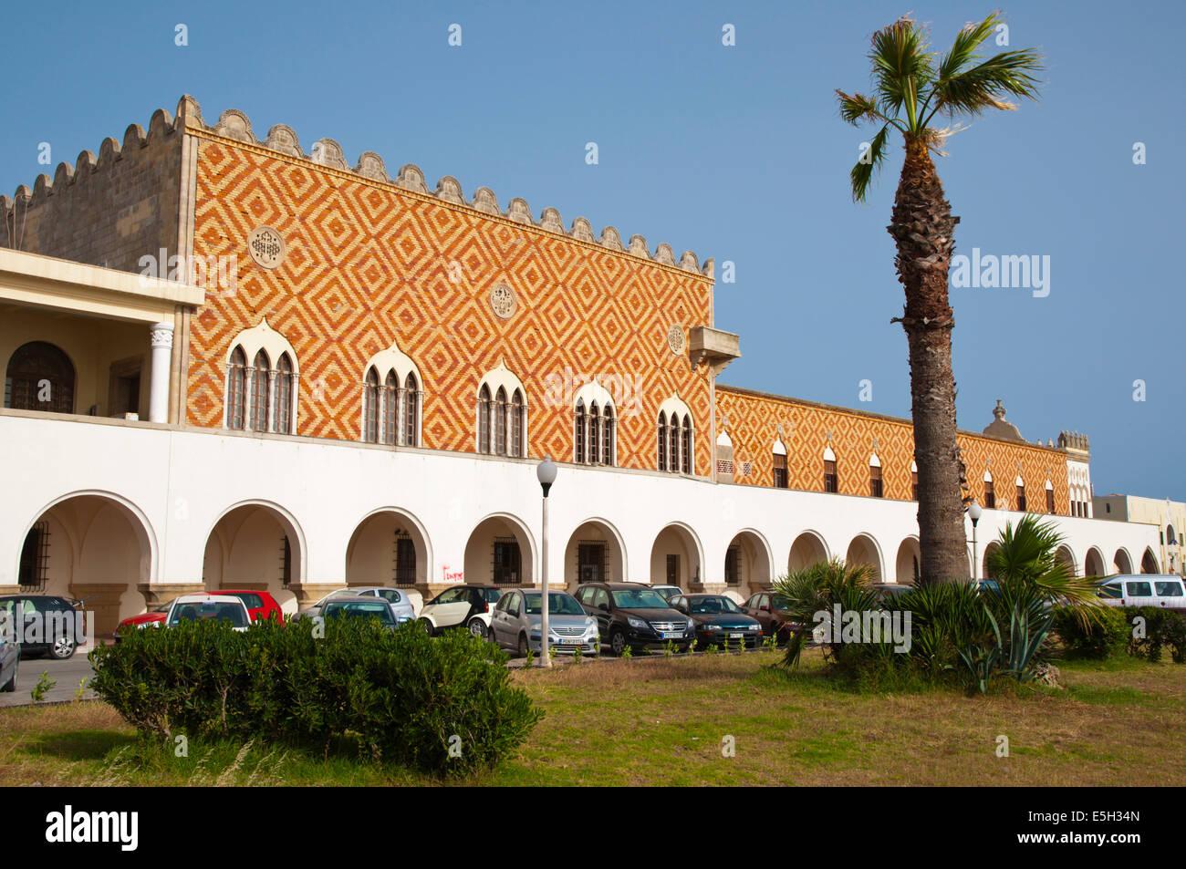 Palazzo del Goverdo Rodi, les bureaux de la préfecture, de l'architecture fasciste italien, nouvelle ville, Photo Stock