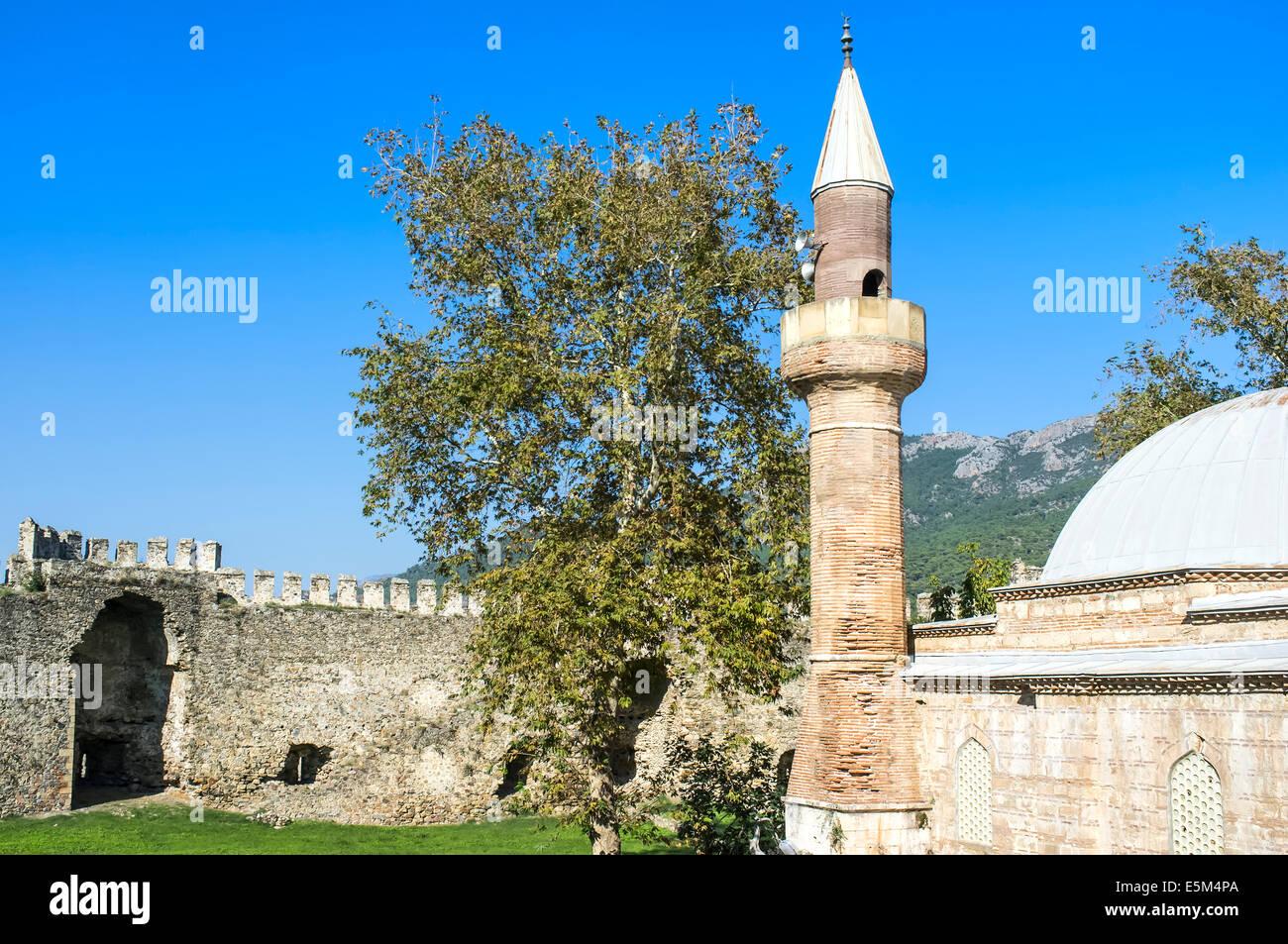 Mamure château, mosquée, Anamur, Anatolie, Turquie du sud-ouest Banque D'Images