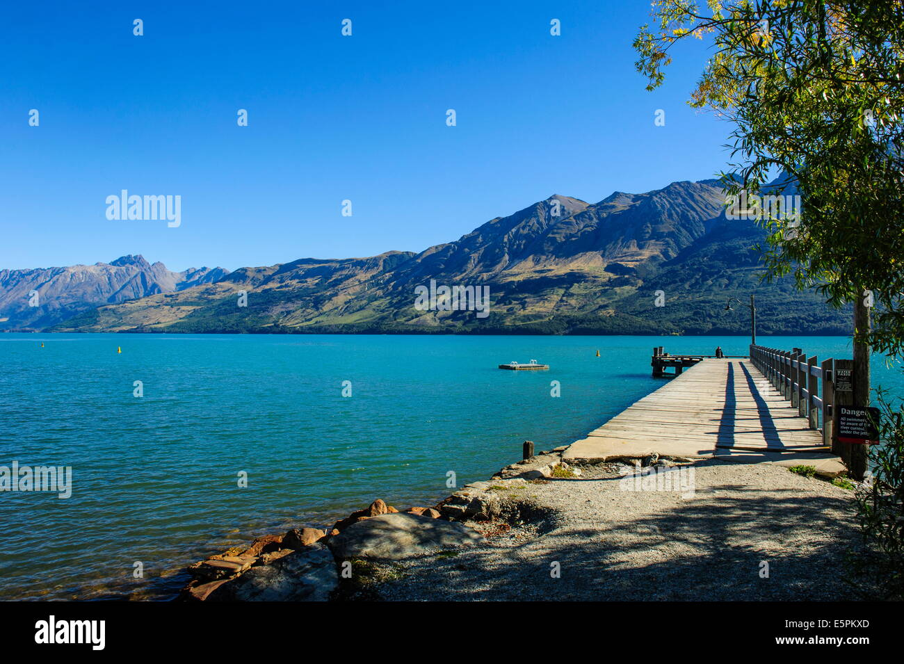 L'eau turquoise du lac Wakatipu, Glenorchy, près de Queenstown, Otago, île du Sud, Nouvelle-Zélande, Pacifique Banque D'Images