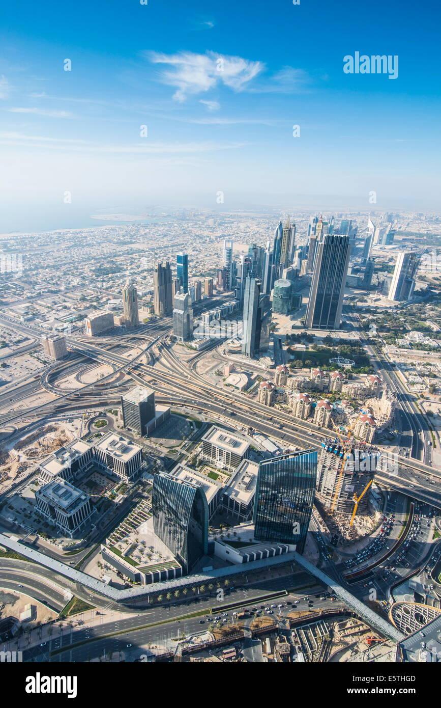Vue sur Dubaï du Burj Khalifa, Dubai, Émirats arabes unis, Moyen Orient Photo Stock