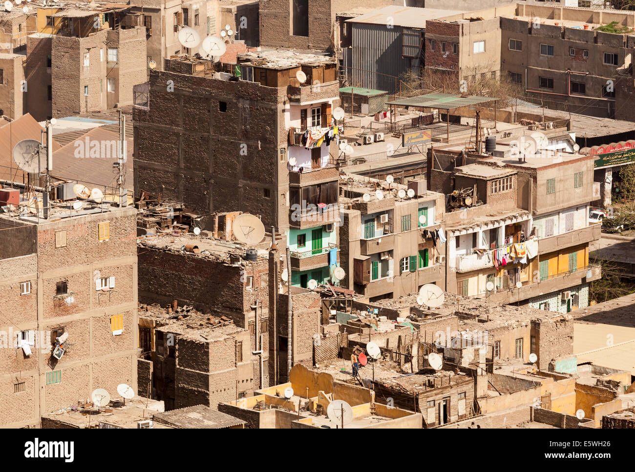 Le Caire, Égypte - toitures de bâtiments des taudis dans le centre du Caire Photo Stock