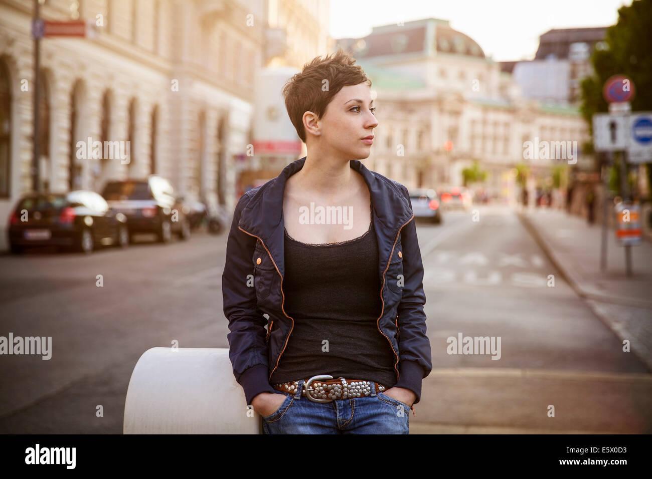 Portrait de jeune femme adulte Photo Stock