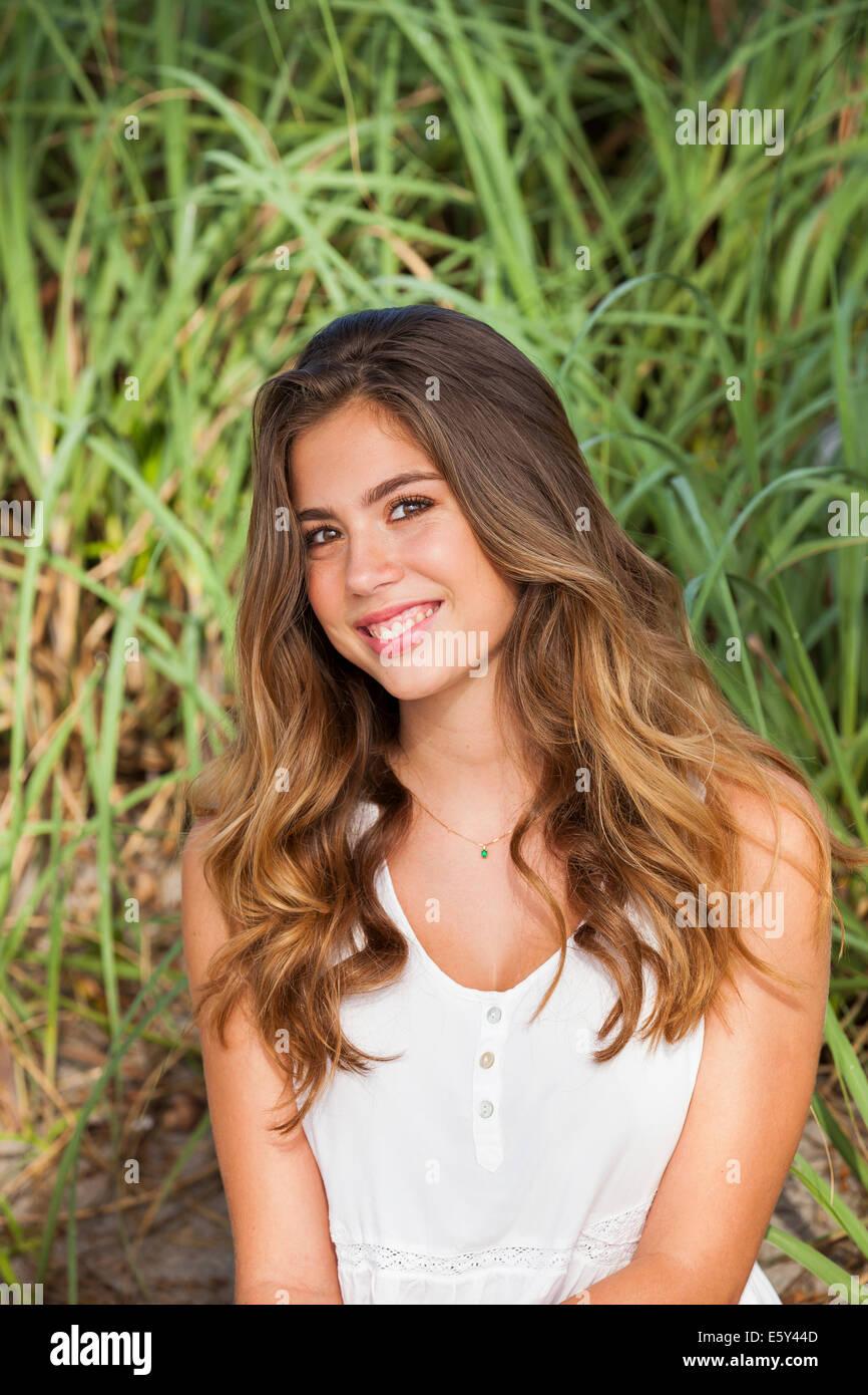 Teenage girl smiling Banque D'Images
