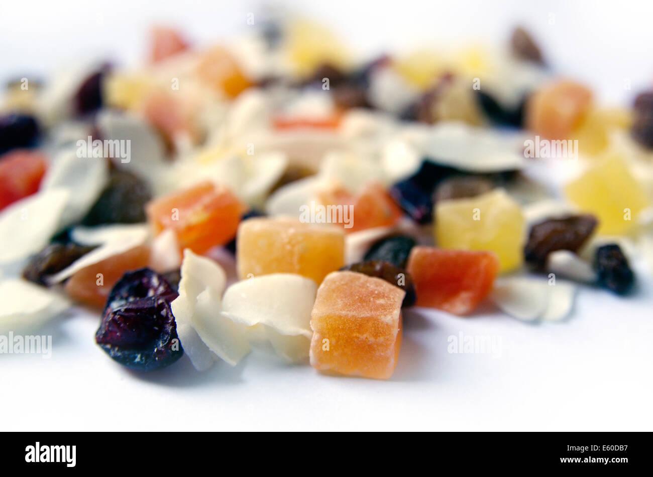 Fruits secs isolé sur fond blanc Banque D'Images