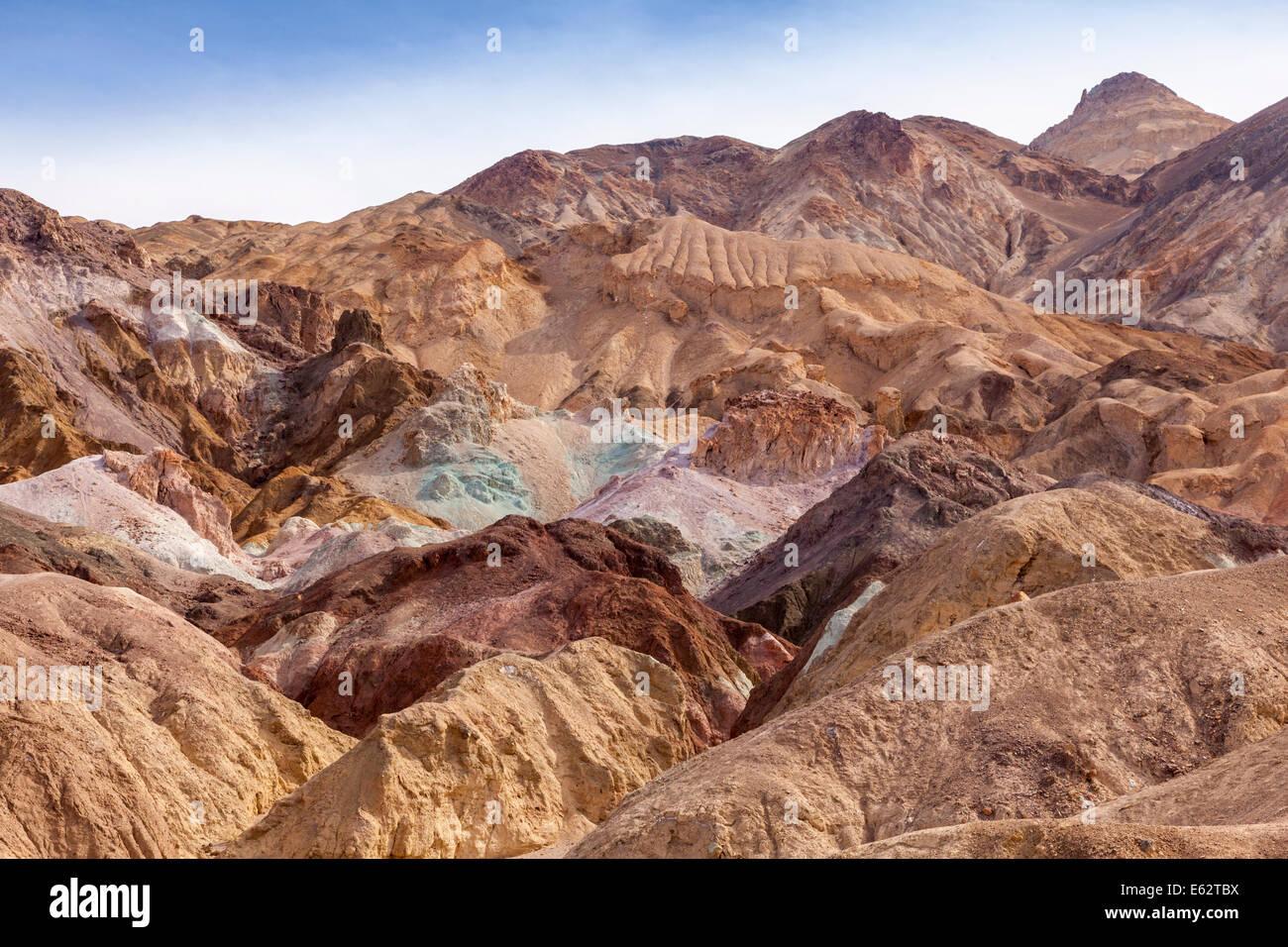 Les roches colorées de l'artiste connu sous le nom de palette, la vallée de la mort, en Californie. Photo Stock
