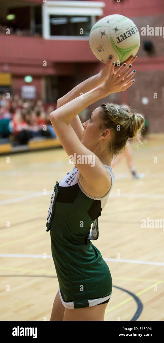L'université de Swansea v Université de Cardiff 2014 Varsity Netball Photo Stock