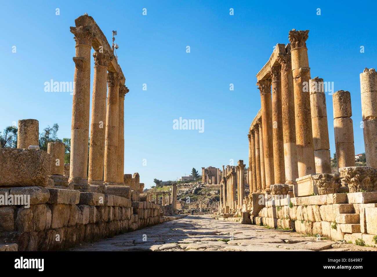 Cardo Maximus, la rue à colonnade, ruines romaines, Jerash, Jordanie Photo Stock