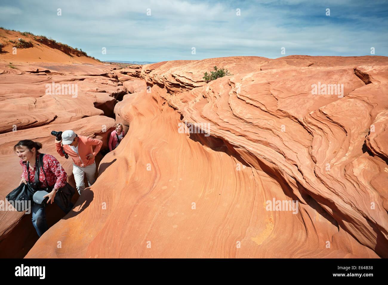 Les touristes sortant de Lower Antelope Canyon. Page, Arizona, USA. Photo Stock