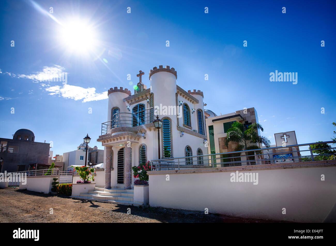 Le mausolée luxueux jardines de humaya, dernière demeure de narco les barons de la drogue, ressemble plus Photo Stock