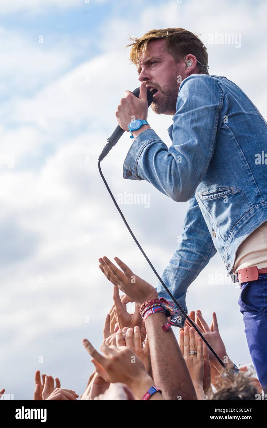 Kaiser Chiefs joue V Festival Hylands Park le 16/08/2014, à Chelmsford. Les personnes sur la photo: Ricky Wilson. Banque D'Images