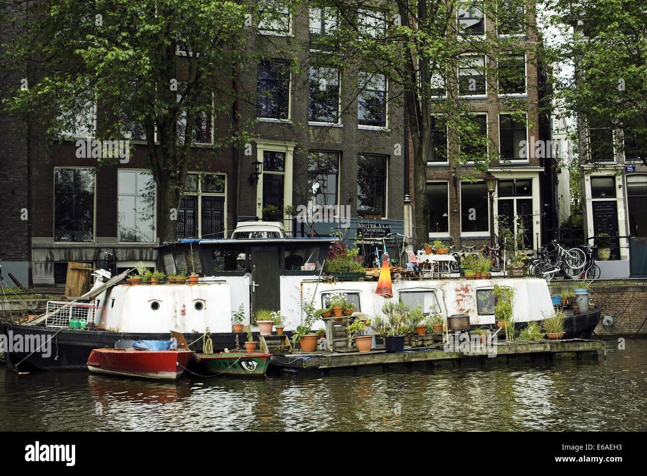 D'autres vivant,péniche,Amsterdam Banque D'Images