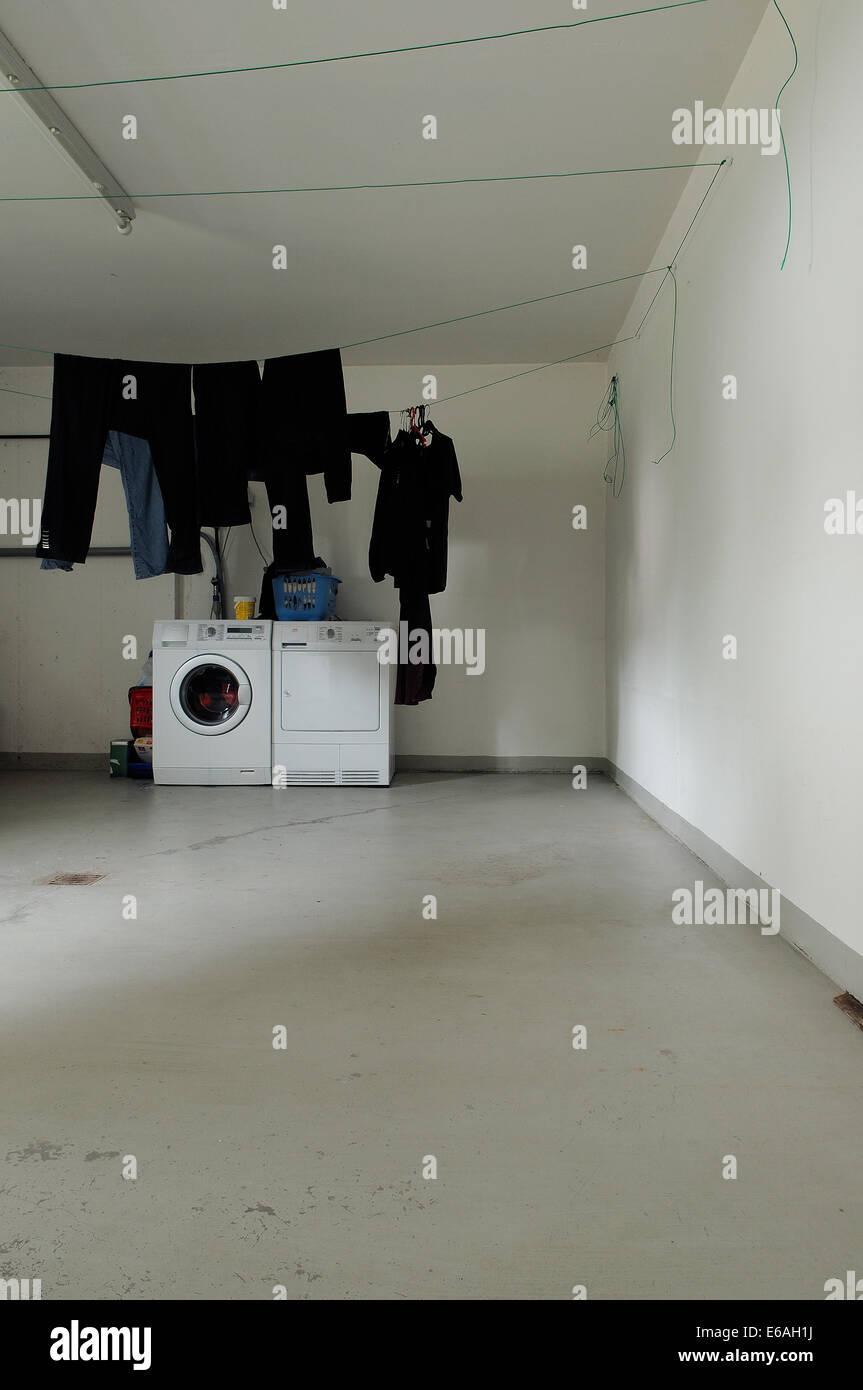 La vie domestique,lave-linge, Buanderie sous-sol Photo Stock - Alamy