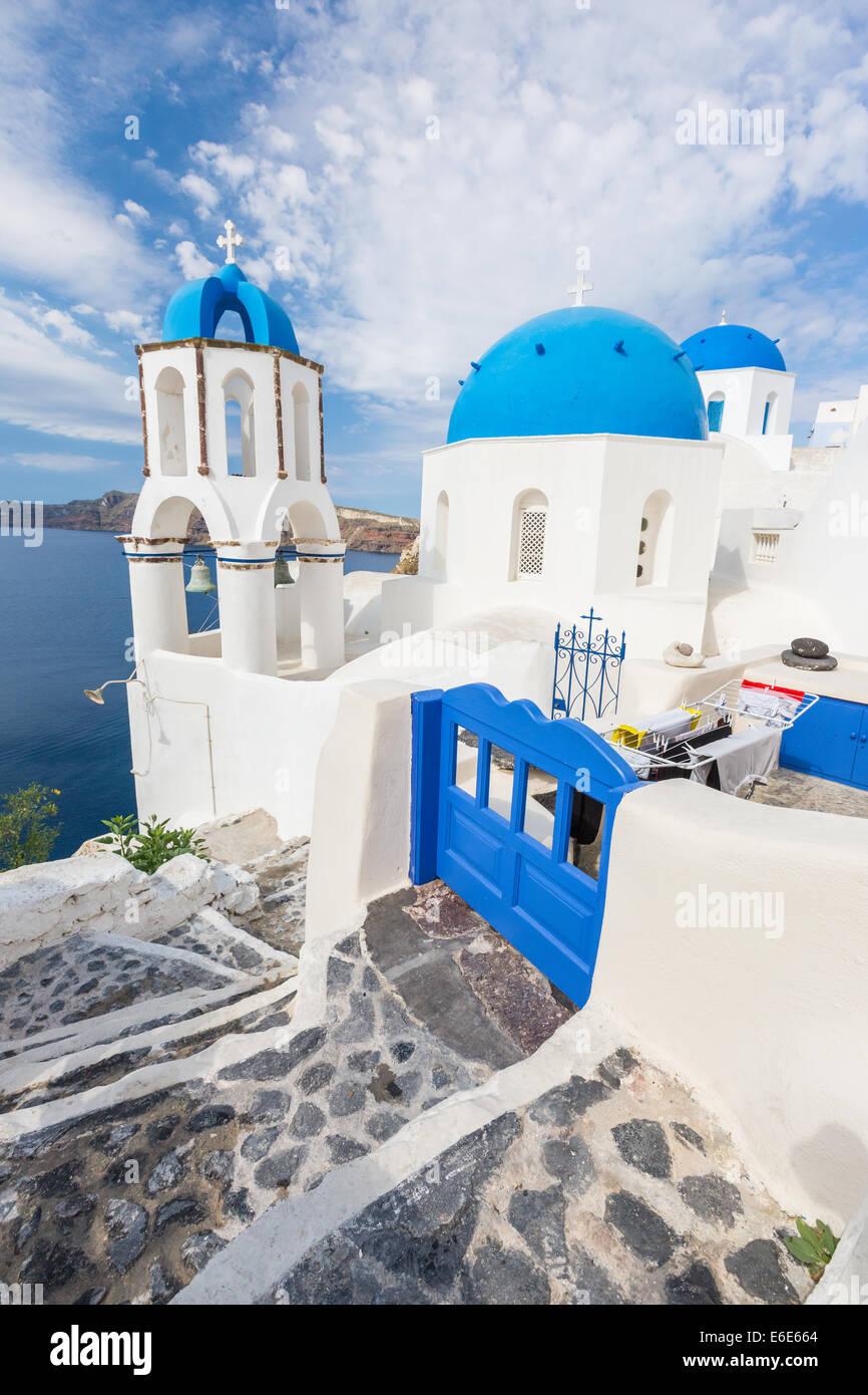 Toit bleu église de Oia, Santorin Grecce Banque D'Images