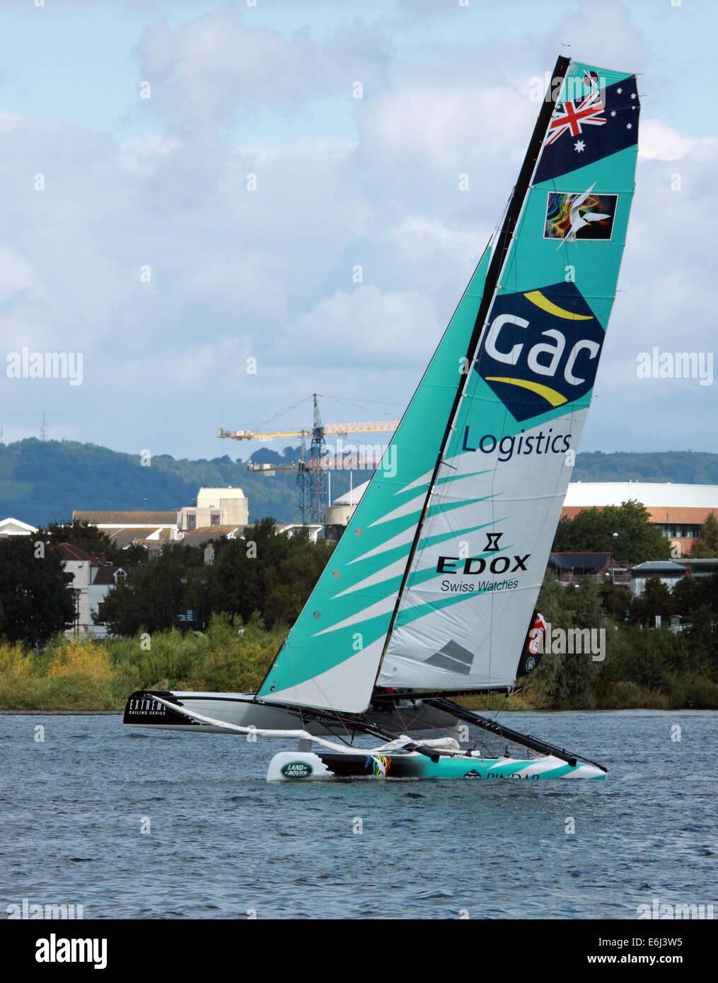 Catamarans à voile extrême événement dans la baie de Cardiff, le 23 août 2014 Photo Stock