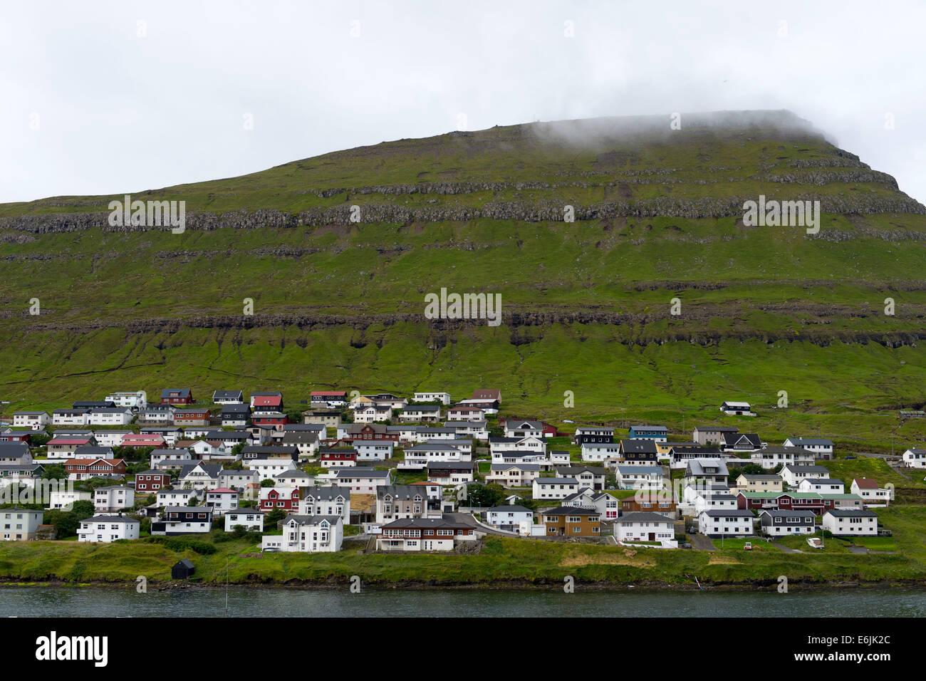 Maisons à Klaksvík dans les îles Féroé. (Klaksvik) Photo Stock