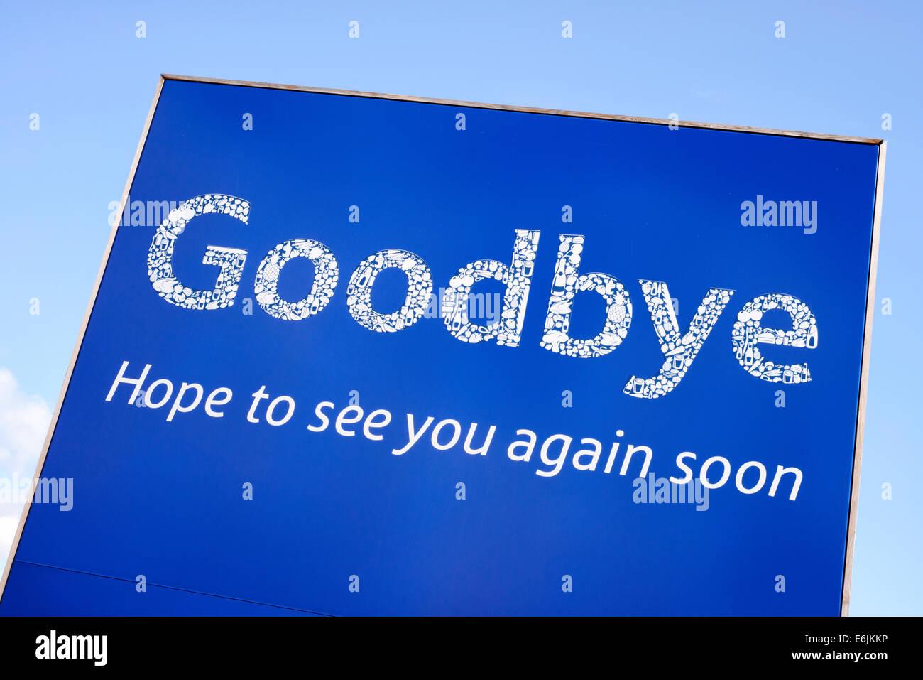"""""""Au revoir, l'espoir de vous revoir' signe à un magasin Tesco à Blackpool, Lancashire, Angleterre Photo Stock"""