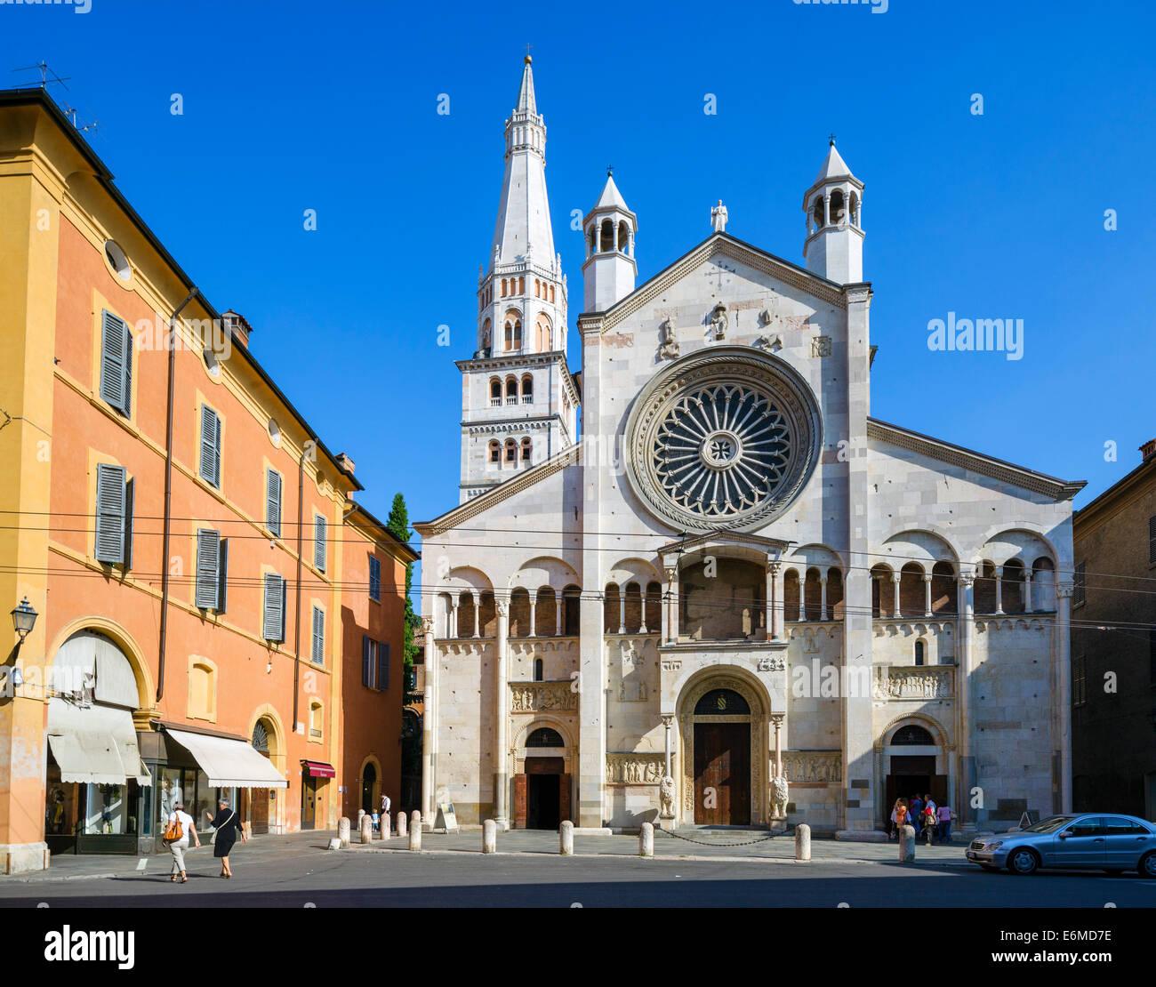 La façade occidentale de la cathédrale, la Piazza Duomo, Modène, Émilie-Romagne, Italie Photo Stock