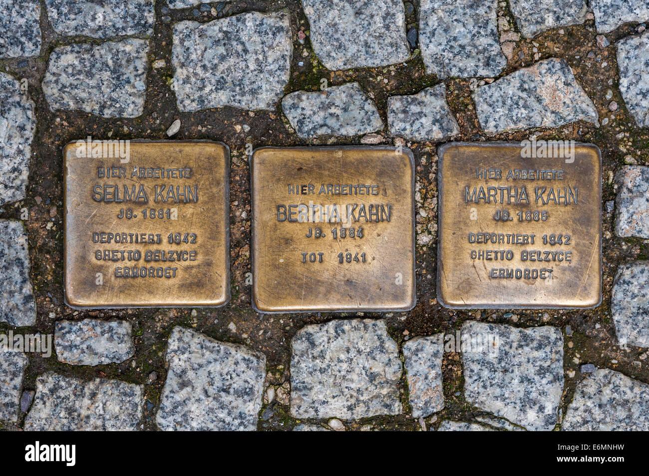 Stolperstein, obstacles, à la mémoire des victimes de la dictature de l'Allemagne nazie, par l'artiste Photo Stock