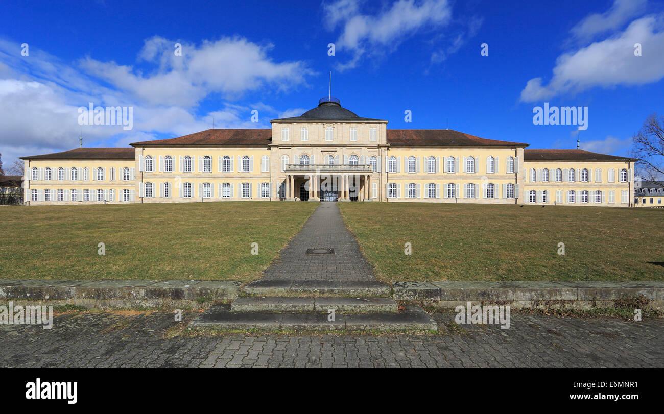 Section centrale de Schloss Hohenheim Palace, côté jardin, Université de Hohenheim, Stuttgart, Bade-Wurtemberg, Banque D'Images