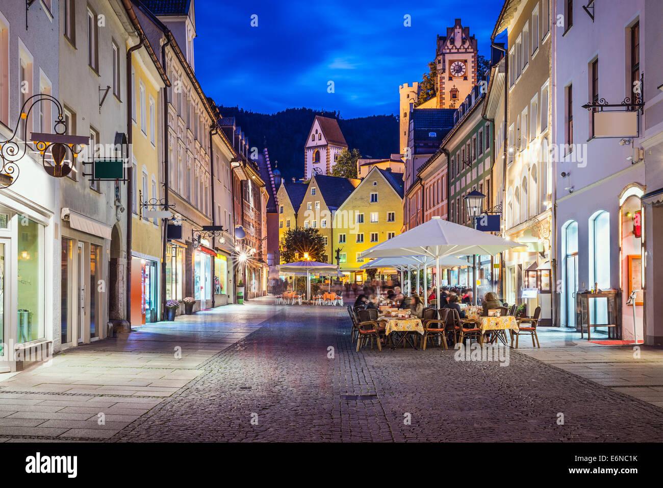 Füssen, Allemagne ancien paysage urbain de nuit. Photo Stock
