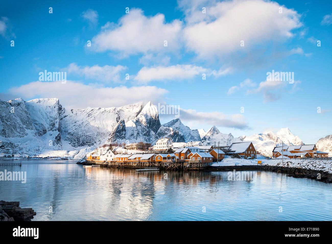 Le village de Sakrisoy par un beau jour d'hiver Photo Stock