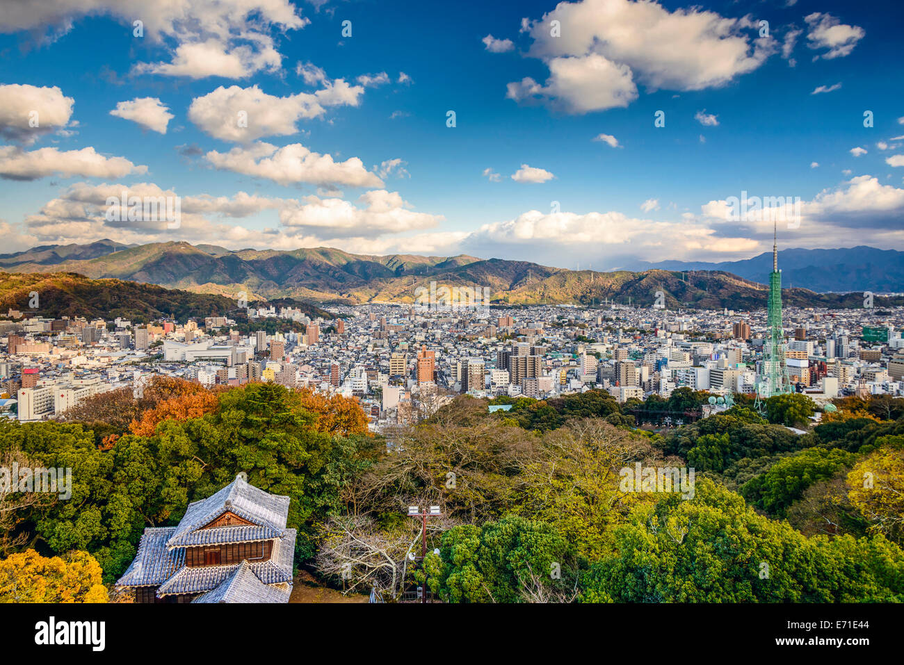 Matsuyama, Japon centre-ville paysage urbain. Photo Stock